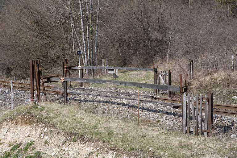 3 passages à niveau n° 99 à 101 (voie ferrée Andelot - La Cluse)
