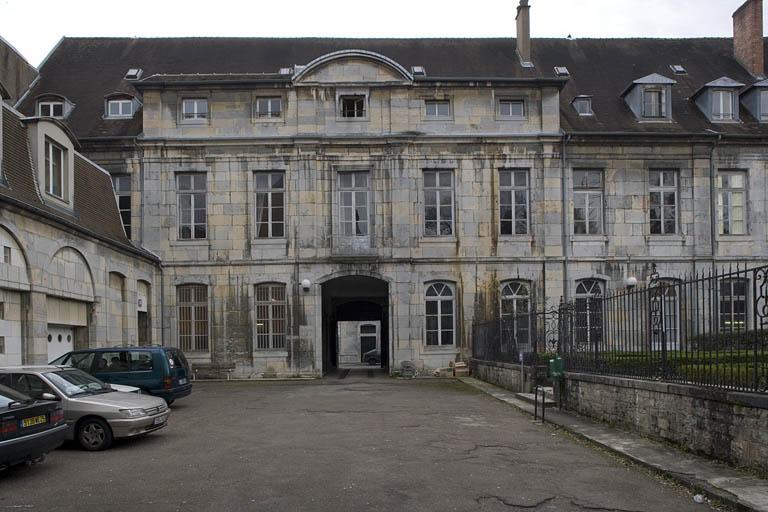 Hôtel de Courbouzon-Villefrancon, actuellement université des Lettres et Sciences humaines