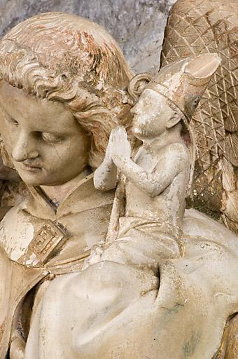 Statue : Saint Michel psychopompe terrassant le démon