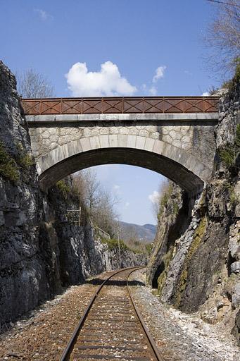 Pont routier (voie ferrée Andelot - La Cluse)