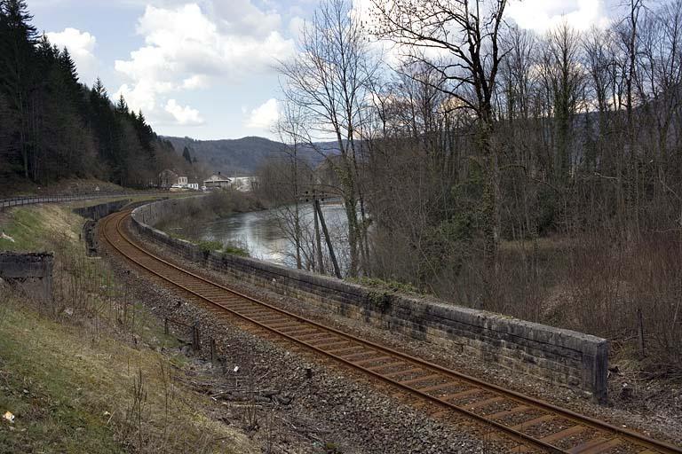 Mur de soutènement (voie ferrée Andelot - La Cluse)