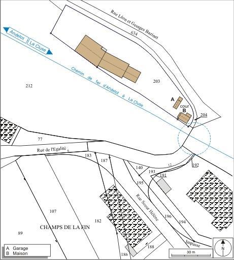 Maison de garde-barrière et passage à niveau n° 8 (voie ferrée Andelot - La Cluse)