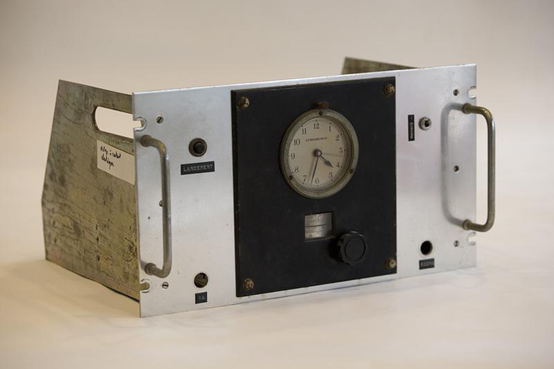 Horloge à contacts électriques Belin