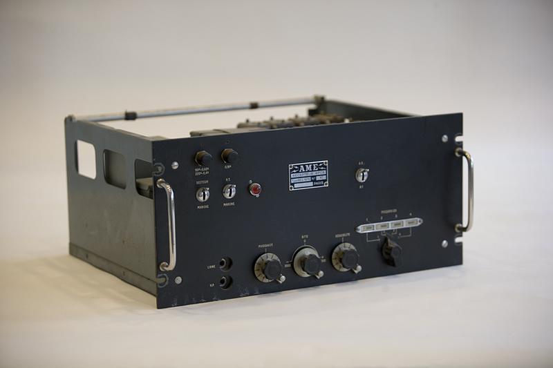 Générateur d'ondes sonores (récepteur radioélectrique pour signaux horaires AME modèle RE/C 1075 B)