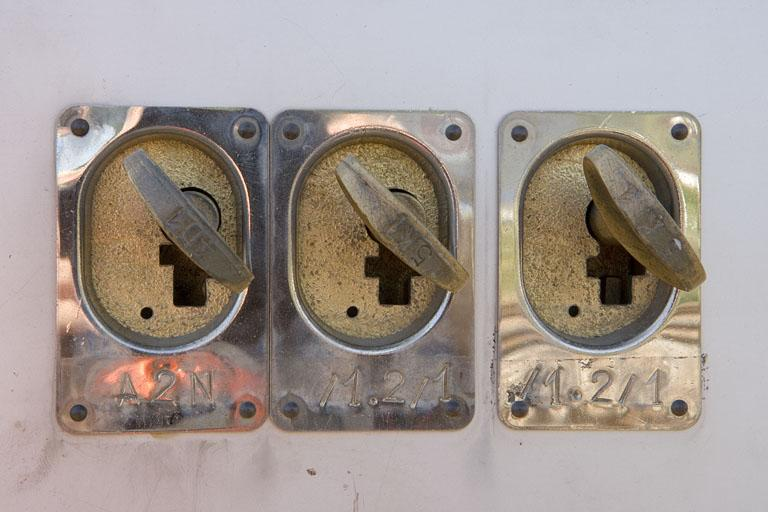 3 commandes de sécurité (transmetteurs de clef)