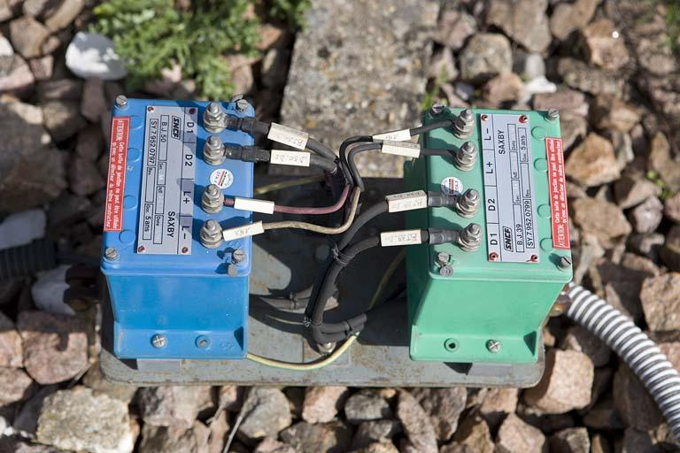 2 détecteurs de passage (pédales)