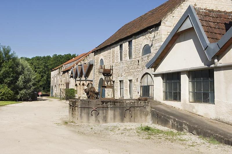 Usine métallurgique dite forge de Pesmes, puis usine de taillanderie, actuellement musée et centrale hydroélectrique