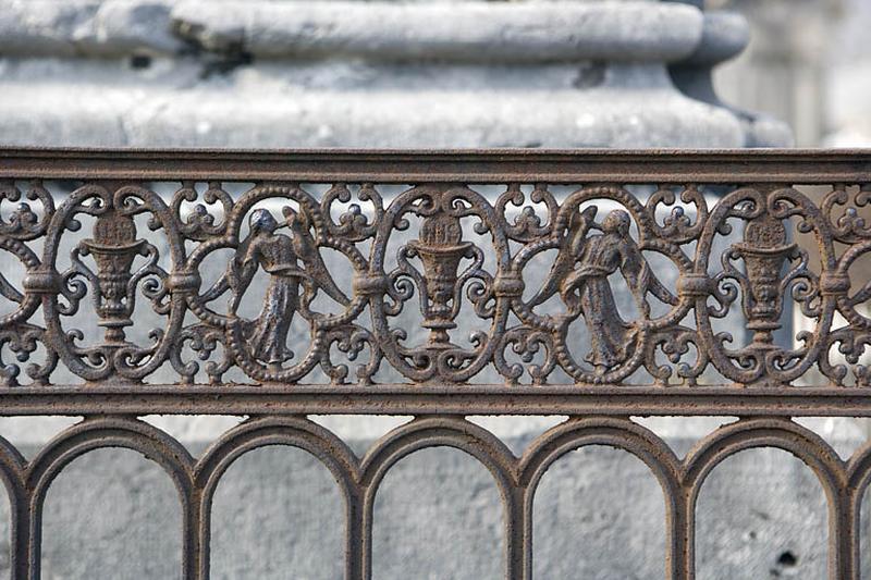 Clôture de monument funéraire des familles Allemand et Vannoz