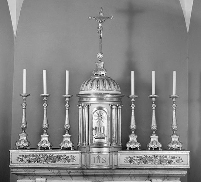 6 chandeliers d'autel, croix d'autel