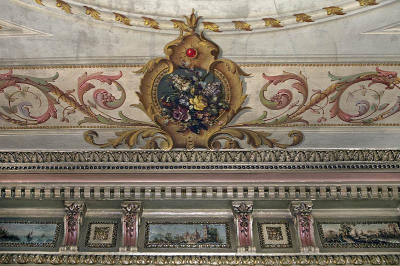 peintures monumentales et reliefs