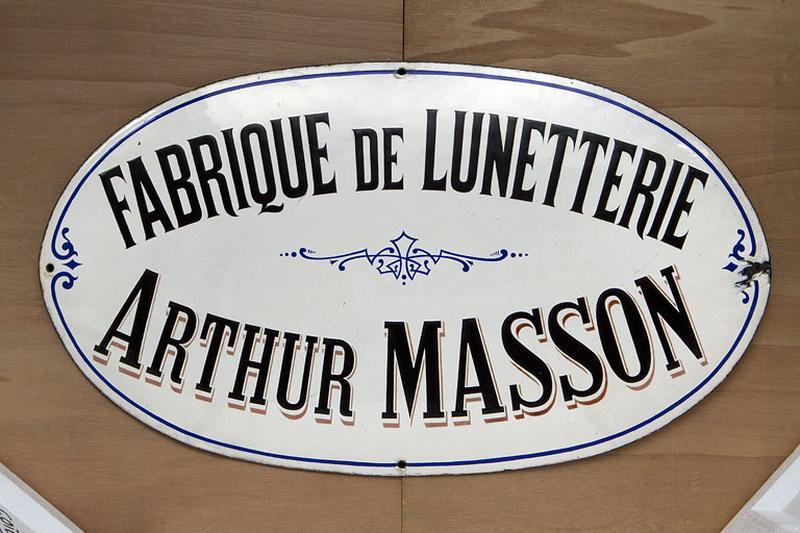 enseigne professionnelle de l'usine de lunetterie Arthur Masson