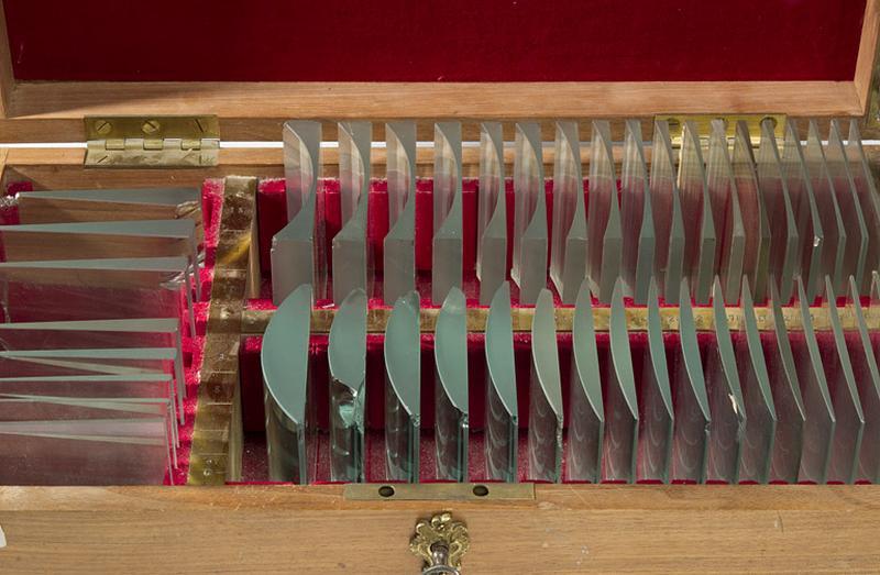 instrument d'application pratique (boîte de lentilles et de prismes)