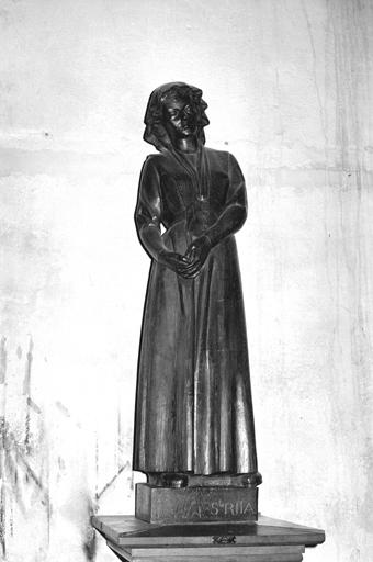 Statue (petite nature) : sainte Elisabeth de Hongrie