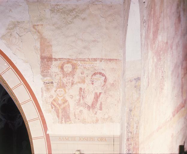 Peinture murale : personnage debout adressant une prière à Saint-Paul