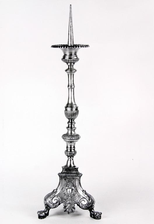 Ensemble de 2 chandeliers d'autel (n° 6)