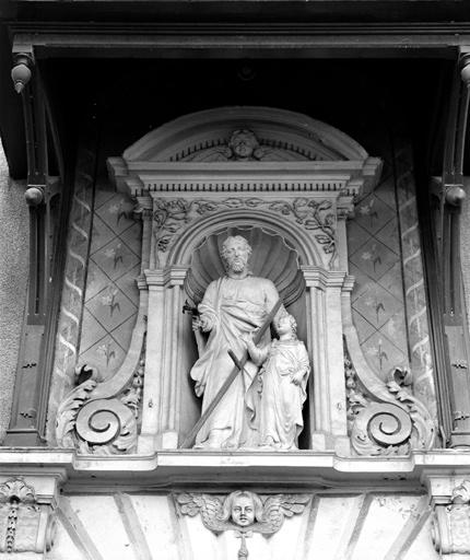 Groupe sculpté : saint Joseph et l'Enfant (n° 2)