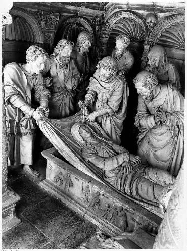 Groupe sculpté : ensevelissement de la Vierge