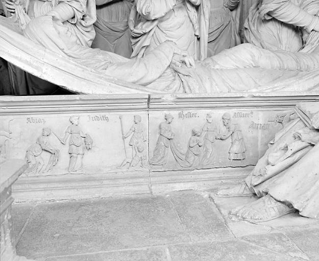 Frise : Jésus chez Marthe et Marie, Salomon et Bethsabée, Judith portant la tête d'Holopherne, Esther et Assuérus devant Aman sur le gibet
