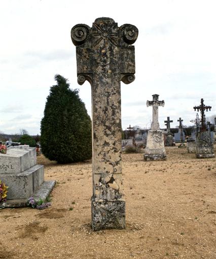 croix monumentale n°2 dite croix funéraire