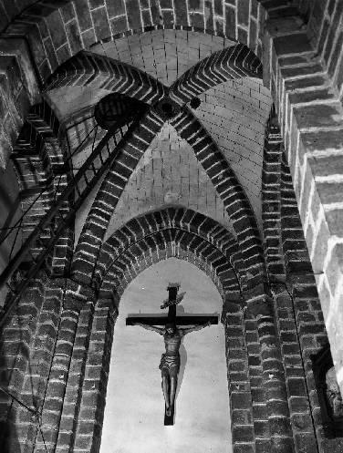 Prieuré du Rosaire, Saint-Pierre, église paroissiale