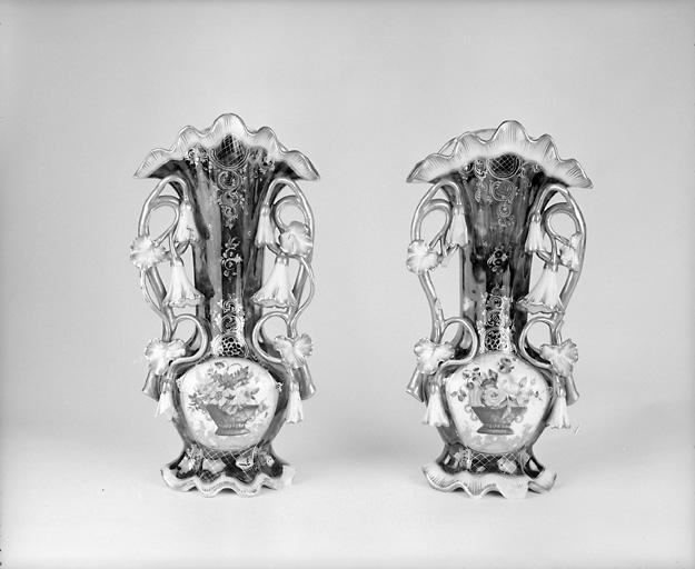 ensemble de 2 vases d'autel