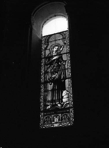 5 verrières figurées : sainte Germaine, sainte Geneviève, Salvator mundi, saint Louis, saint Aubin