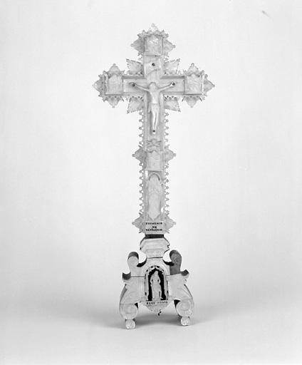 Croix (crucifix) (2)