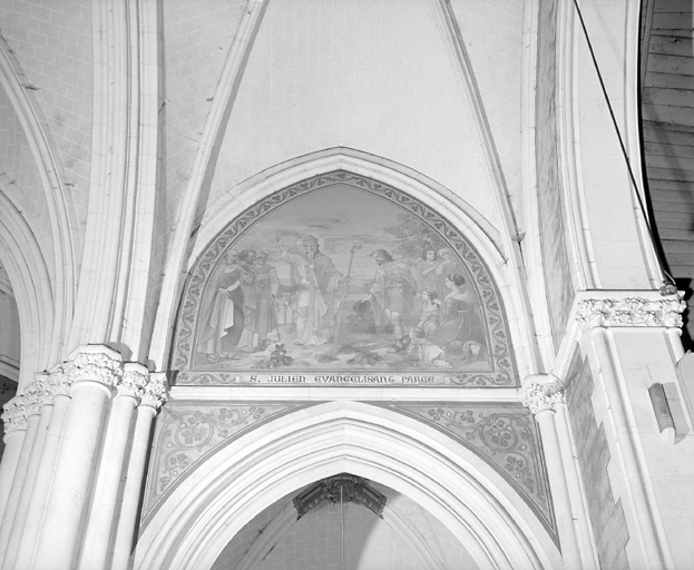 4 peintures murales : Couronnement de la Vierge, saint Julien évangélisant Parcé-sur-Sarthe