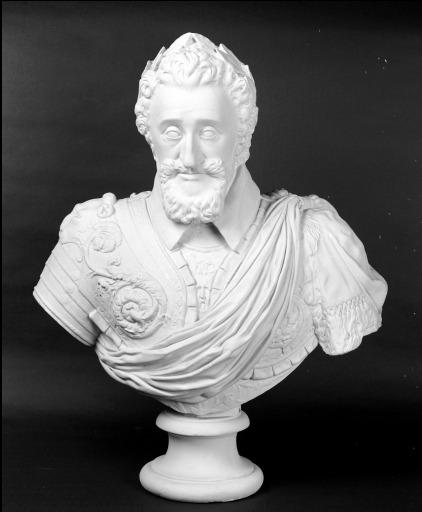 Buste sur piédouche (n° 3) : Henri IV