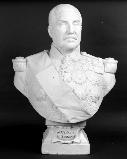 Buste sur piédouche : maréchal Pélissier
