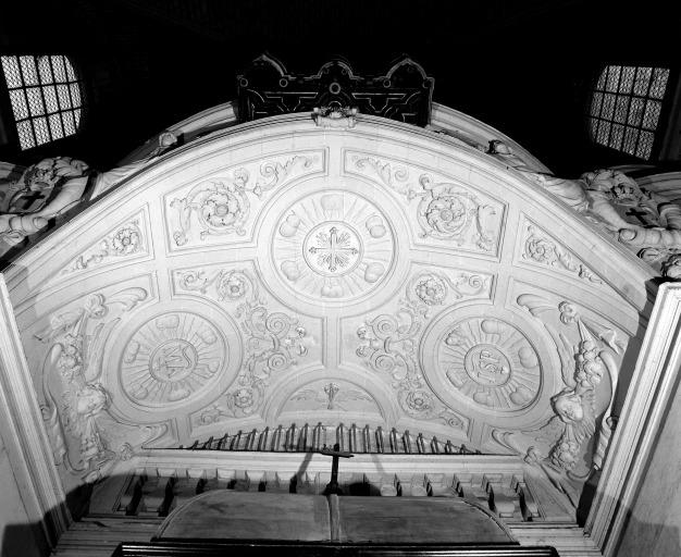Ensemble de 4 reliefs de la tribune d'orgue et de l'orgue