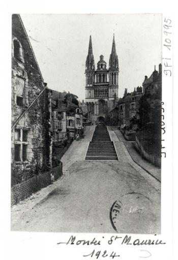 Rue en escalier dite Montée Saint-Maurice