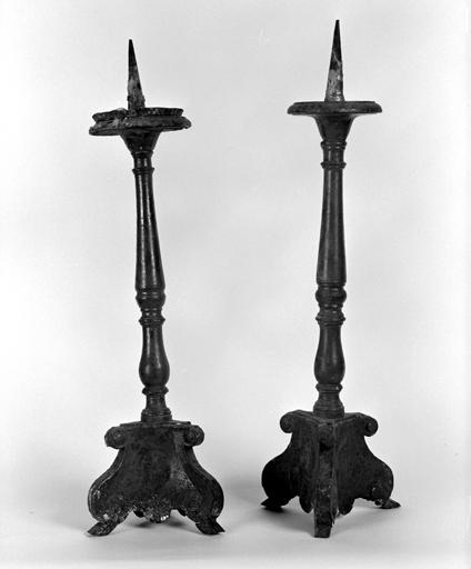 Ensemble de 4 chandeliers d'autel (n° 1)