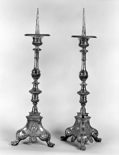 Ensemble de 2 chandeliers d'autel (n° 1)