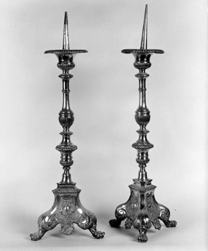 Ensemble de 2 chandeliers d'autel (n° 2)