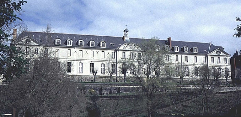 Abbaye Saint-Nicolas, actuellement Communauté des Soeurs du Bon-Pasteur et maison de retraite Saint-Nicolas