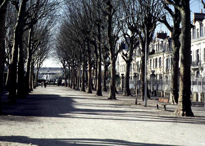 Promenade dite le Grand-Mail, puis avenue Jeanne-d'Arc