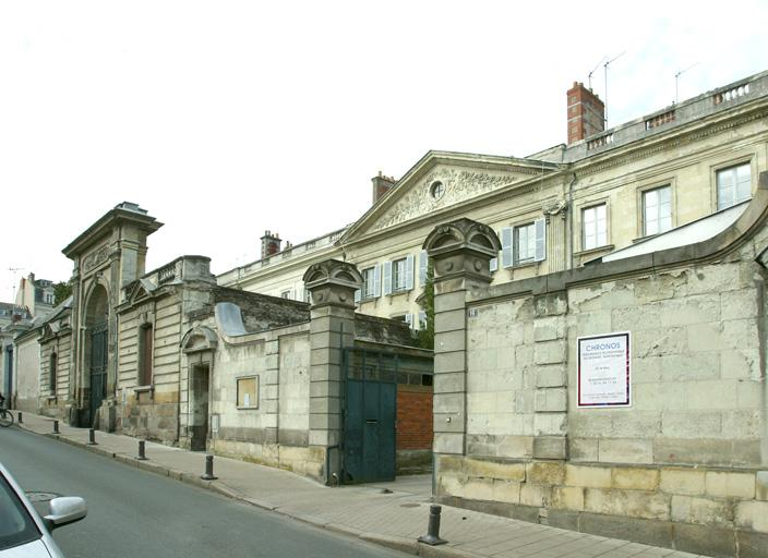 Hôtel de Flore, à 5 unités d'habitation