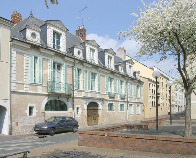 Hôtel Ayrault de Saint-Hénis, puis Etablissement de fers en gros Martin-Rondeau