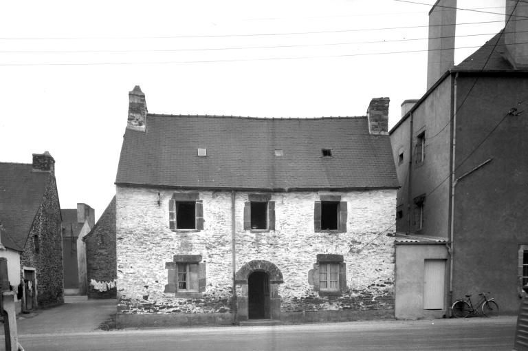 Maison, 2 rue Oberhausen (Carhaix-Plouguer)