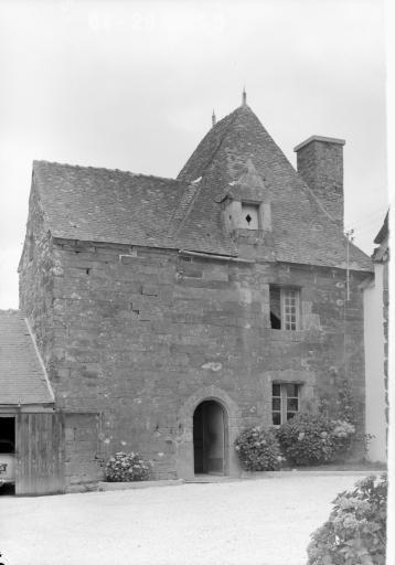 Manoir, Créhénan (Carhaix-Plouguer)