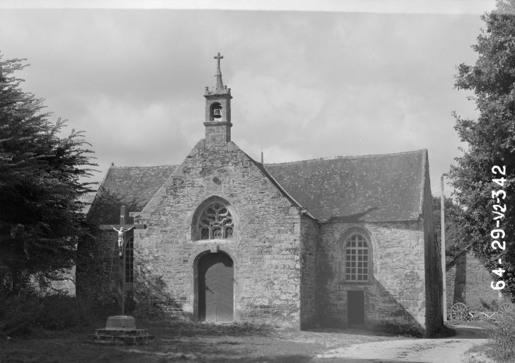 Couvent de Carmes, Saint-Sauveur (Saint-Hernin)