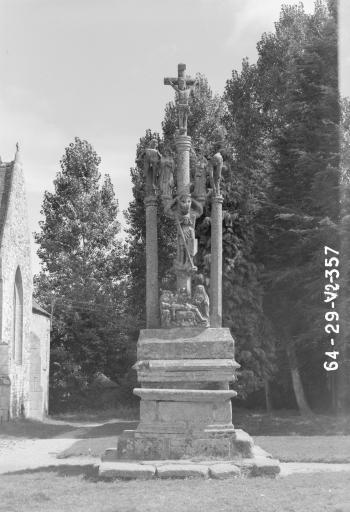 Calvaire (Saint-Hernin)