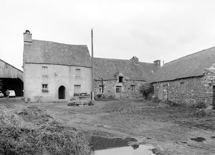 Maison, rue du Trépas (Roudouallec)
