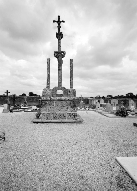 Calvaire, cimetière (Trégourez)