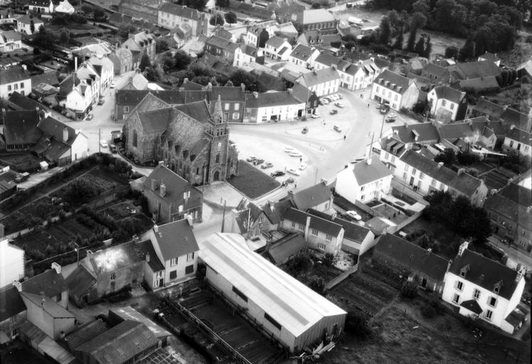 Eglise Paroissiale Saint Pierre (Maël-Carhaix)