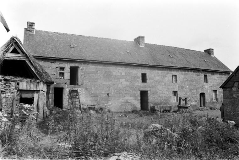 Maisons et fermes sur la commune de Lanrivain