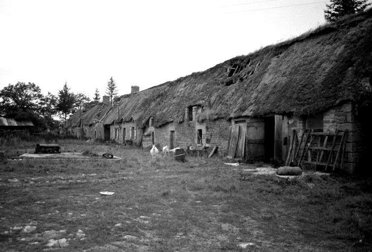 Ferme, Noguello (Inguiniel) ; Les maisons et fermes de la commune d'Inguiniel
