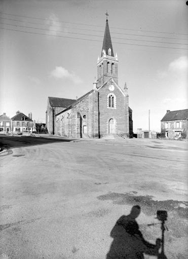 Prieuré de bénédictins, église paroissiale Saint-Jean-Baptiste (Ercé-en-Lamée)