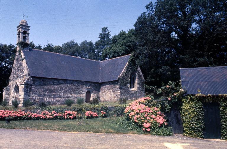 Chapelle Saint-Laurent, Troboa (Saint-Coulitz) ; Le patrimoine religieux de Saint-Coulitz